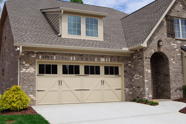 Exceptionnel Carriage House Steel Garage Door Collection